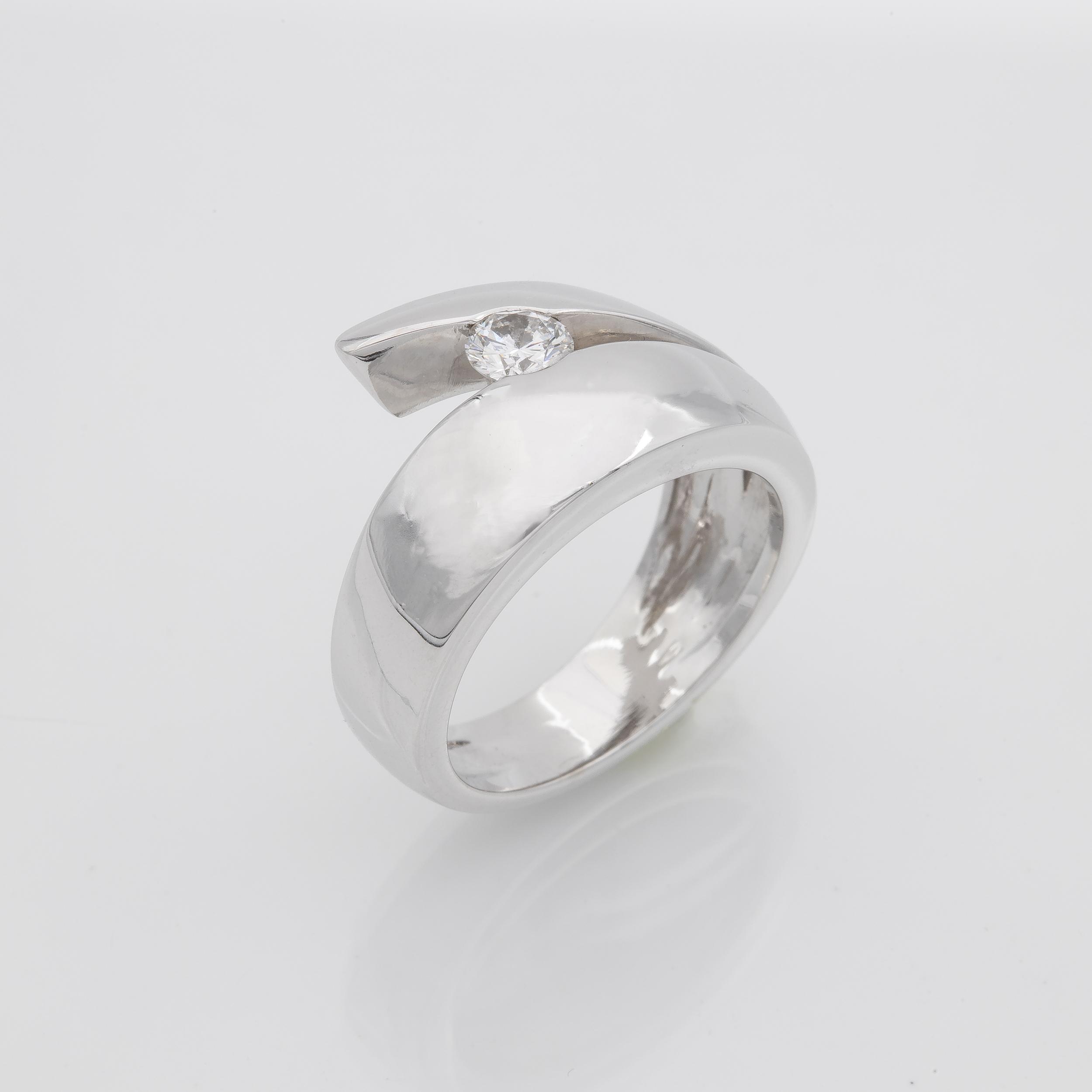 Bague jonc moderniste or gris diamant
