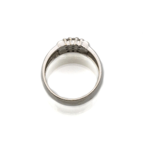 Bague jonc plate en or gris et 15 diamants
