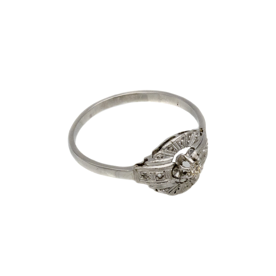 Bague ancienne en or gris, platine et 5 diamants