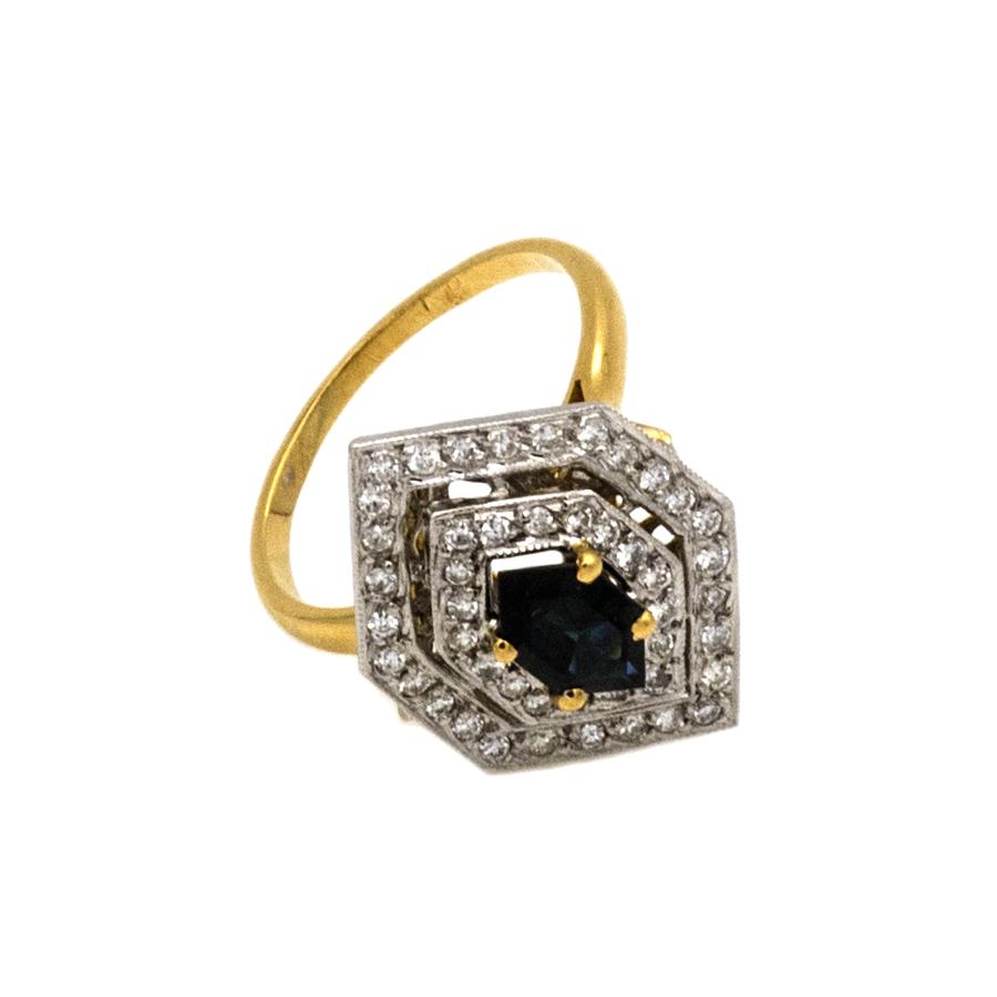 Bague en 2 ors, double entourage saphir et 46 diamants