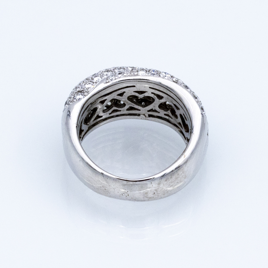 Bague jonc torsadée en or gris et 74 diamants