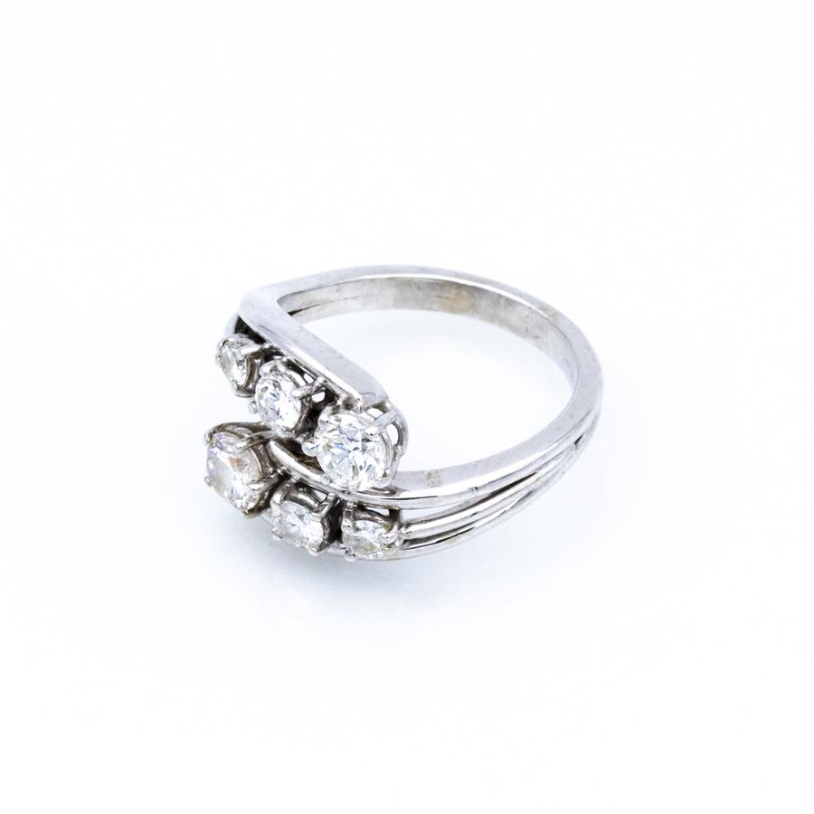 Bague croisée en or gris et 6 diamants
