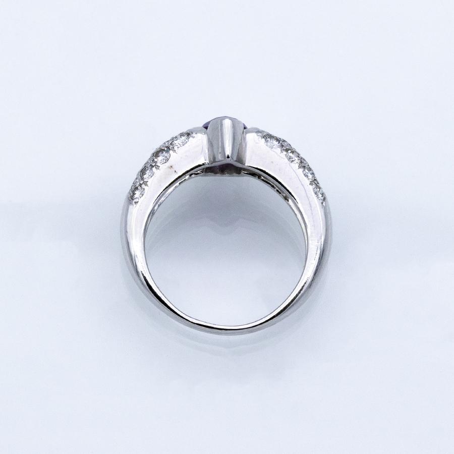 Bague jonc en or gris, améthyste et 24 diamants