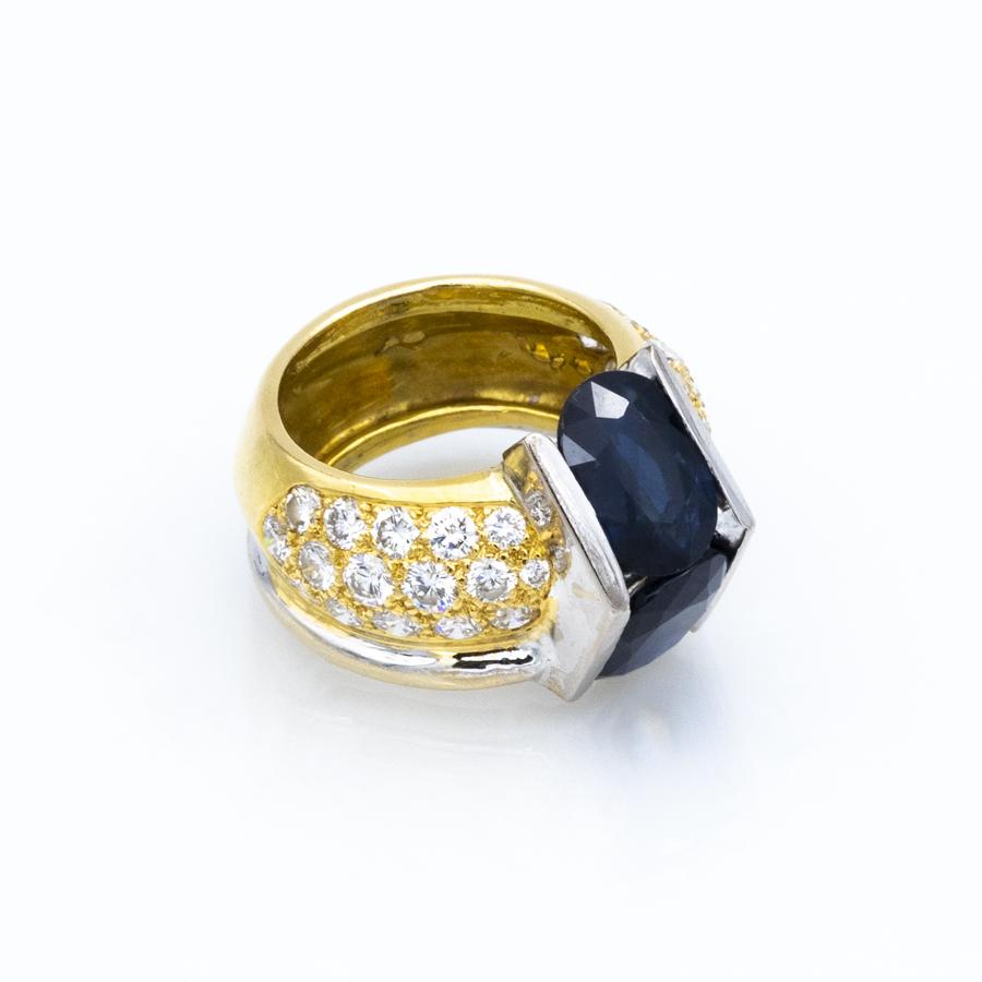 Bague jonc en 2 ors, 2 saphirs et 32 diamants