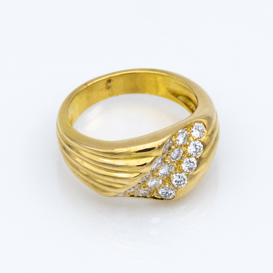 Bague jonc à godrons en or jaune et 15 diamants