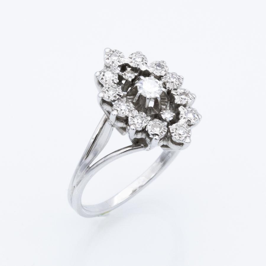 Bague Marguerite or gris et 15 diamants
