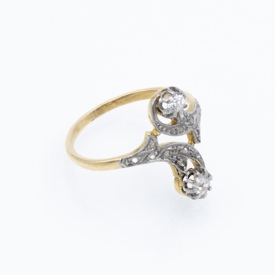 Bague toi et moi volutes en 2 ors et diamants