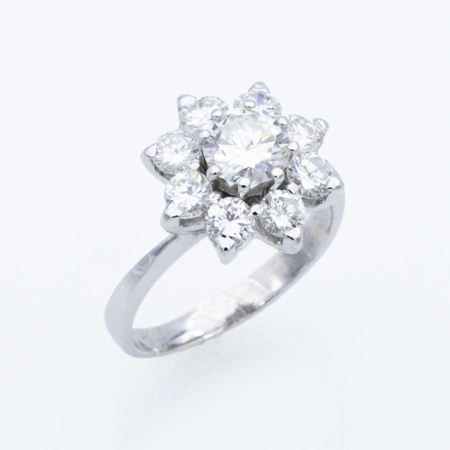 Bague Marguerite en or gris et 9 diamants