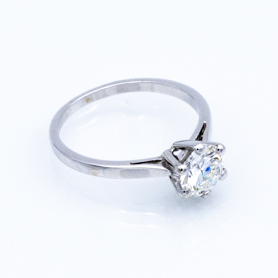 Bague solitaire 6 griffes en or gris et diamant