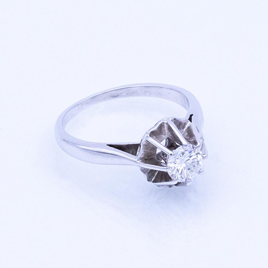 Bague solitaire en or gris et diamant 8 griffes