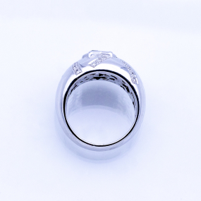 Bague jonc en or gris, 5 saphirs et 32 diamants