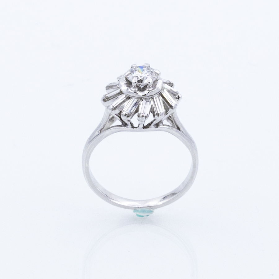 Bague marguerite or gris et diamants