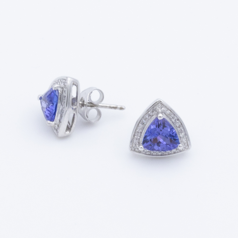 Boucles d'oreilles entourage en or gris tanzanites et diamants