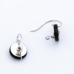 Boucles d'oreilles dormeuses en or gris, onyx et 2 diamants