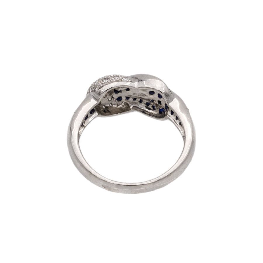 Bague torsade en or gris, 38 saphirs et 24 diamants